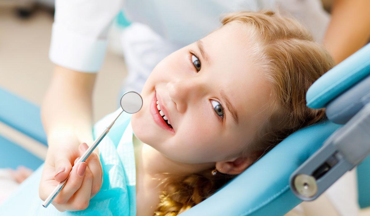 9 beneficios de visitar al dentista frecuentemente
