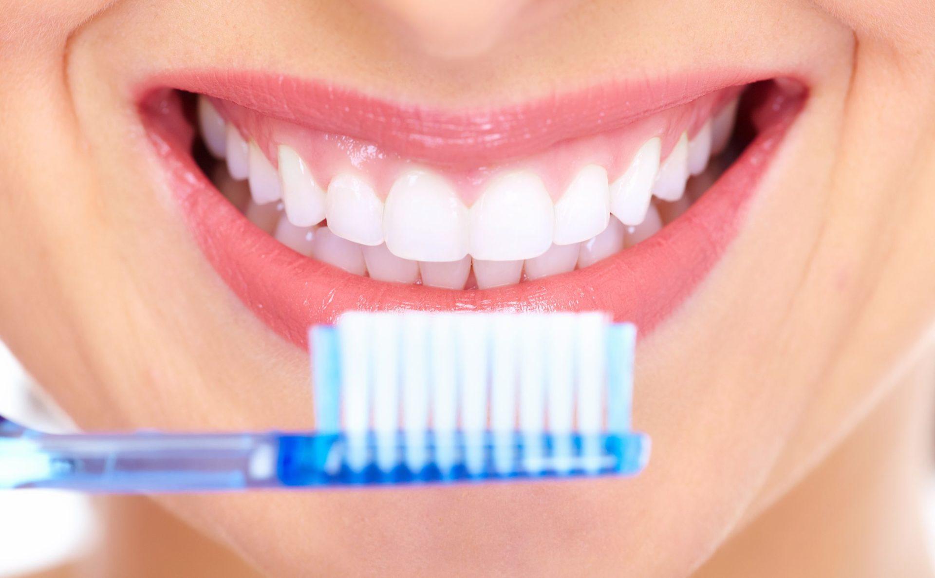 ¿Sabes cómo cepillar tus dientes adecuadamente?
