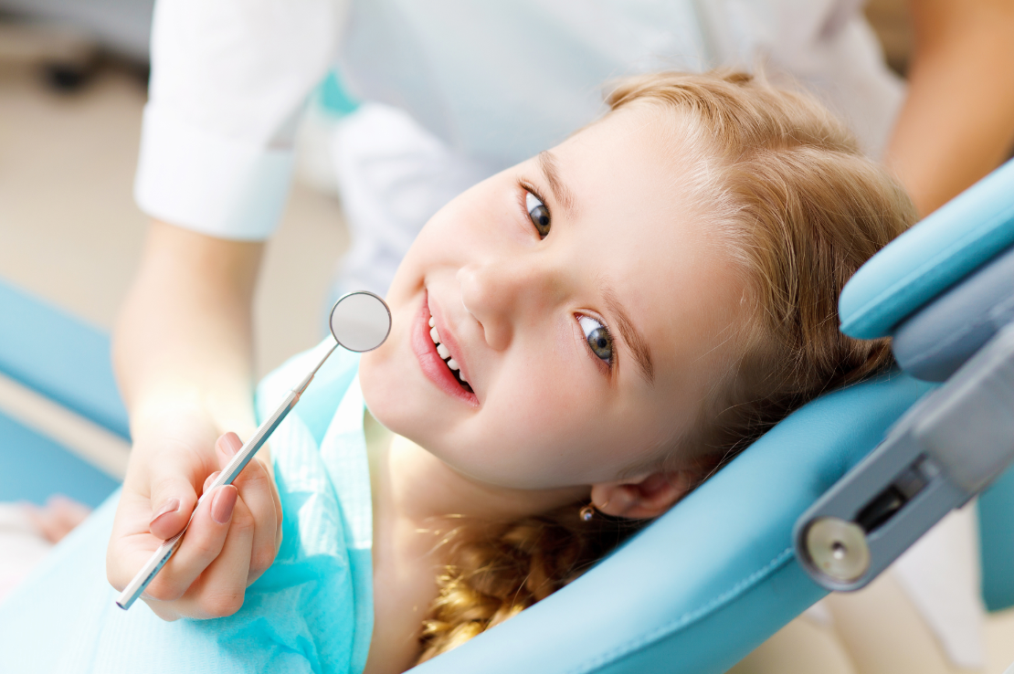 Mantener tus encías sanas y acudir al dentista cada seis meses fundamental para prevenir patologías importantes