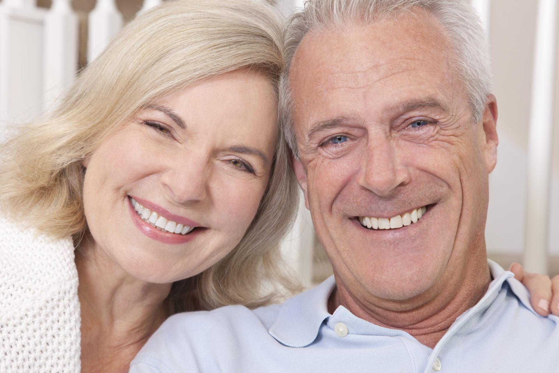 ¿Te faltan piezas dentales? En Clínica Dental Cuadrado te ayudamos a recuperar la sonrisa