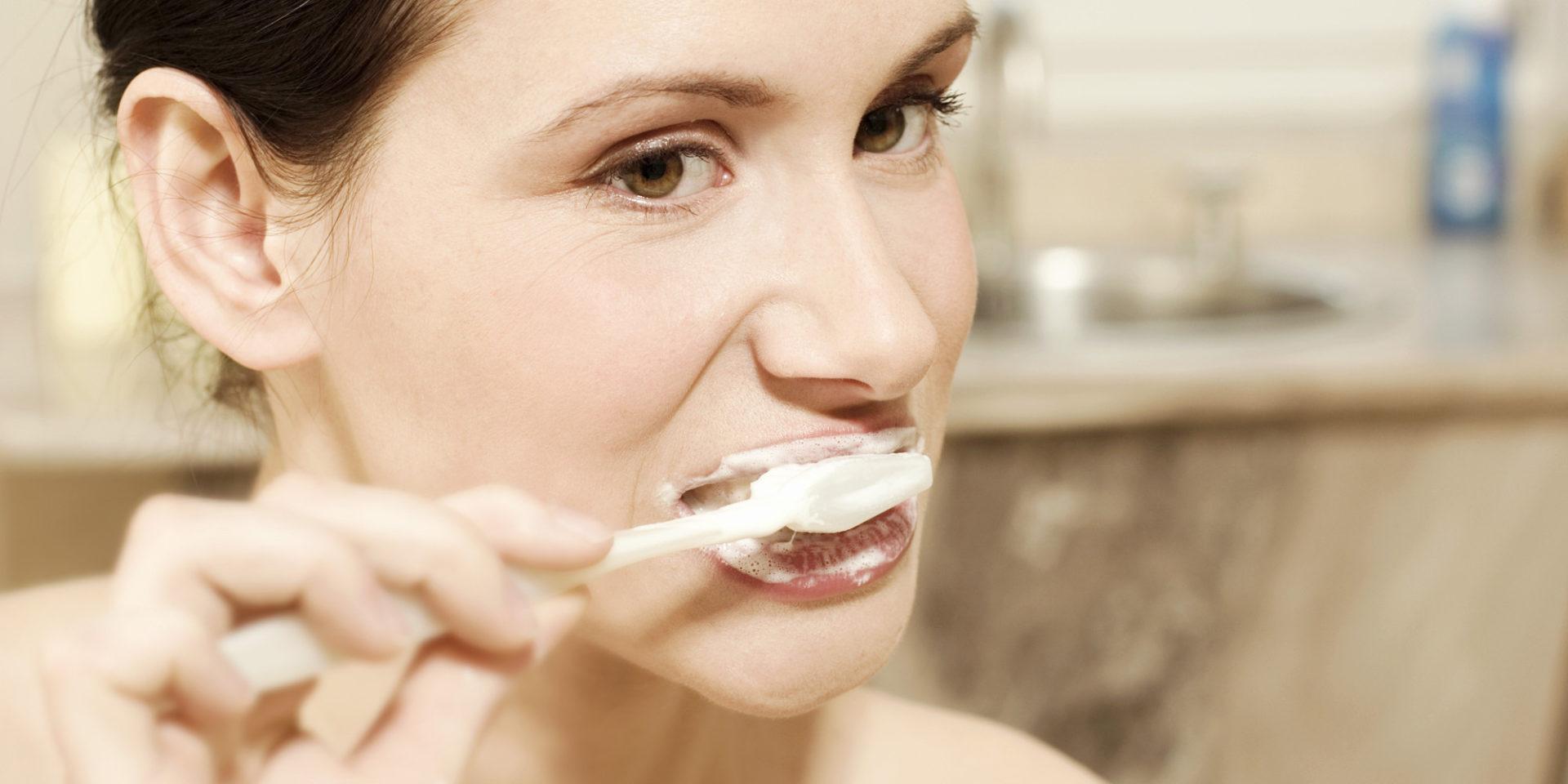 Hay una relación directa entre lavarse los dientes y no padecer enfermedades del corazón