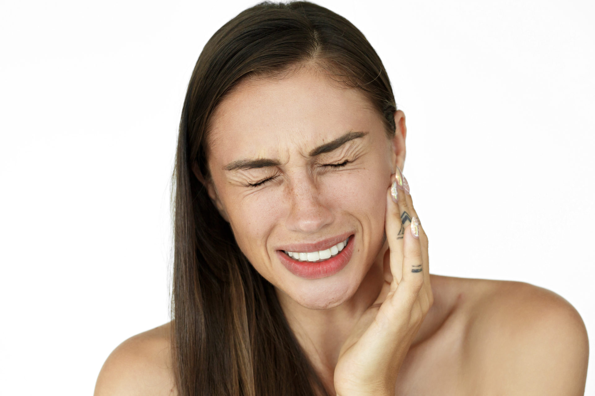 ¿Problemas a la hora de masticar? ¿Te faltan piezas dentales? Entonces necesitas un implante