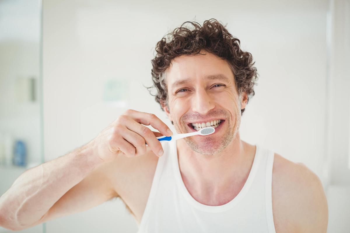 Cómo conseguir que tu implante dental dure lo máximo posible